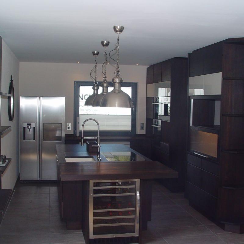 Höhere Küchenschränke bis zur Dachschräge