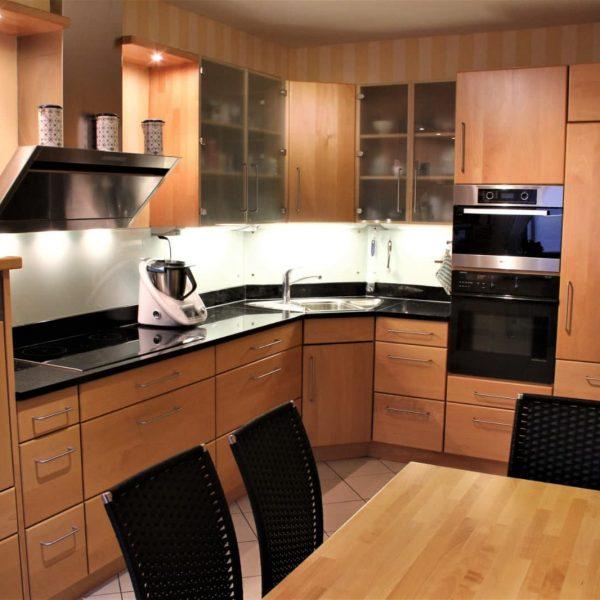 Massivholz‐Küche in Buche massiv