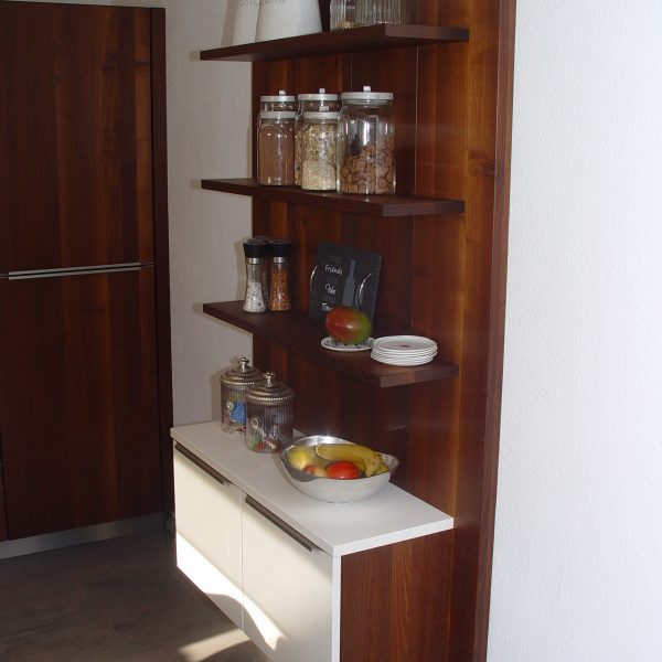 Moderne Küche aus Massivholz