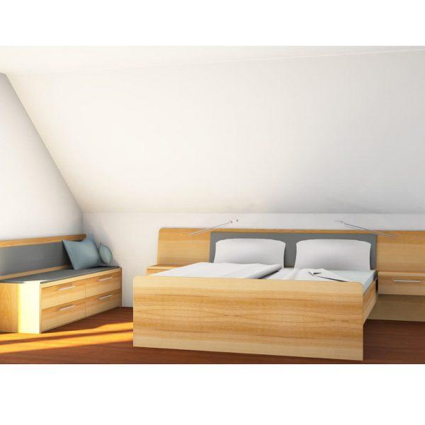 Massivholz-Schlafzimmer in Kernbuche mit Schiebetorschrank in der Schräge sowie Bett und Bank, geölt