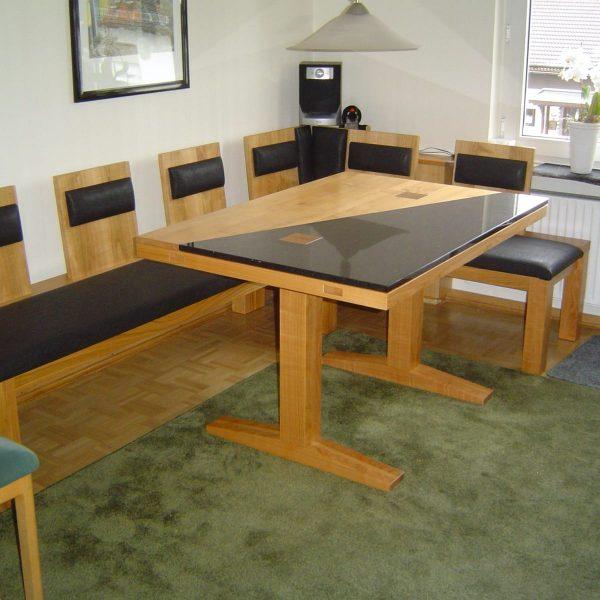 Tisch mit Bank in Kirschbaum massiv / Granit Star Galaxy