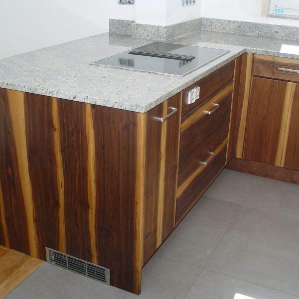Auch nach einem Jahr sehen die Küche und die Badunterschränke wie neu aus.